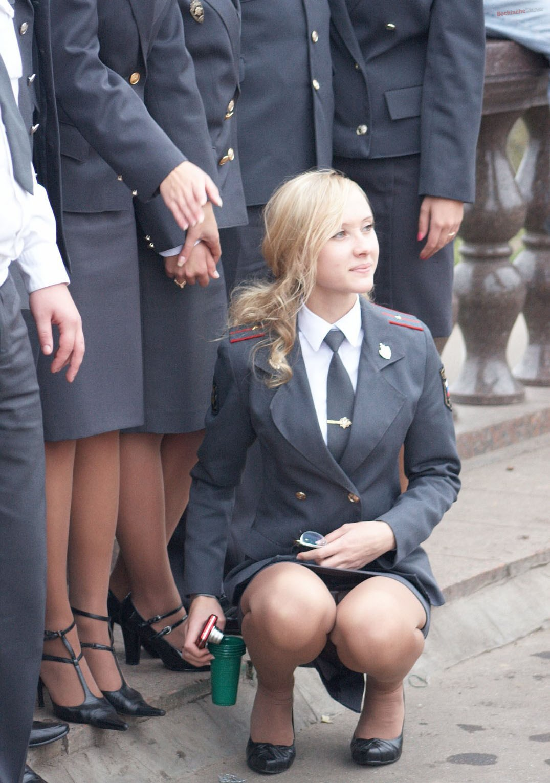 Фото блондинки в форме милицейской 12 фотография